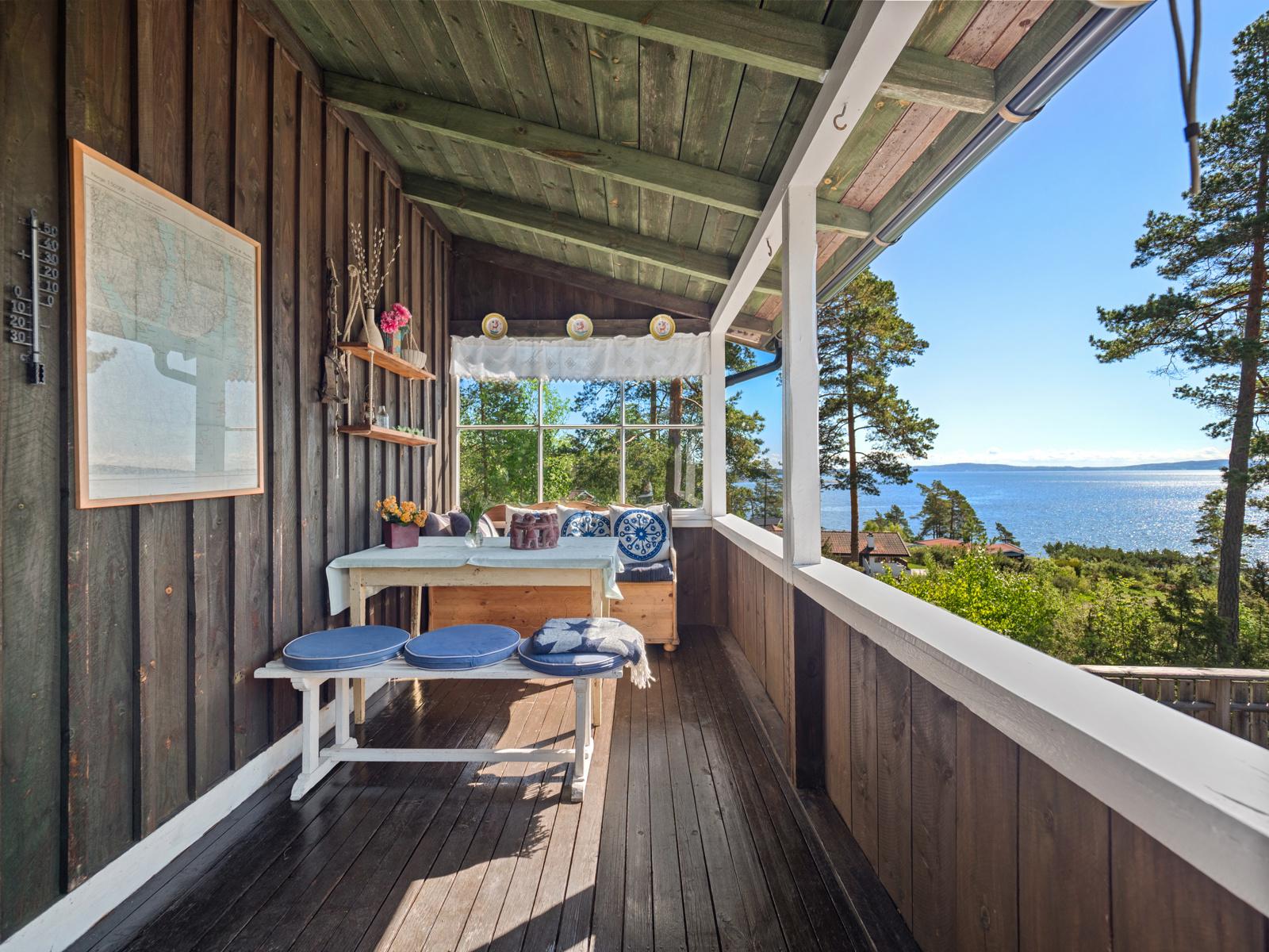 Fin utsikt fra overbygget terrasse
