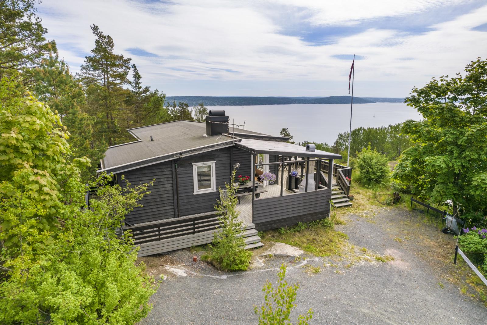 Velkommen til Sevjedammen 26 - Fritidseiendom med utsikt utover Oslofjorden