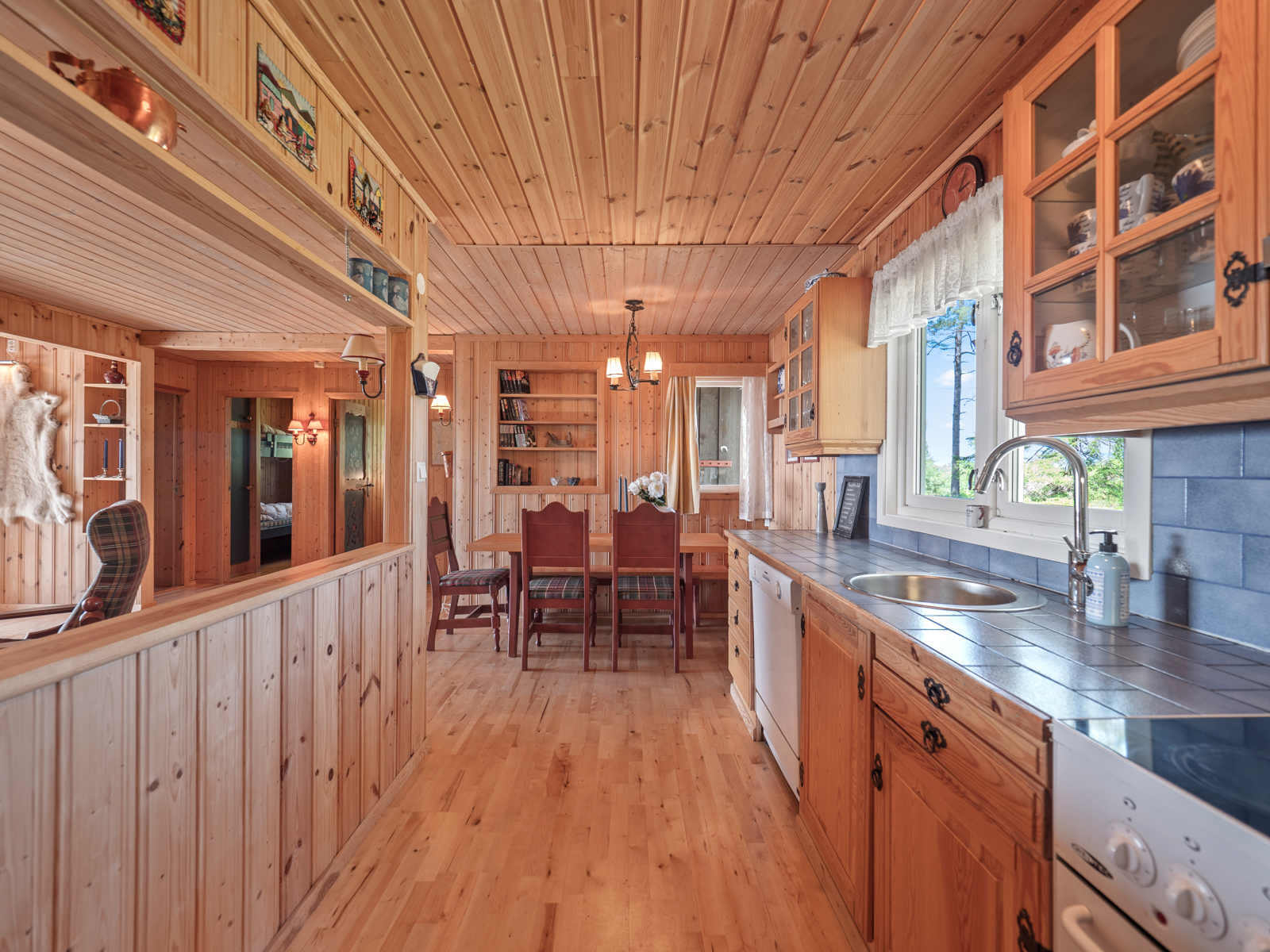 Kjøkken i åpen løsning mot stue