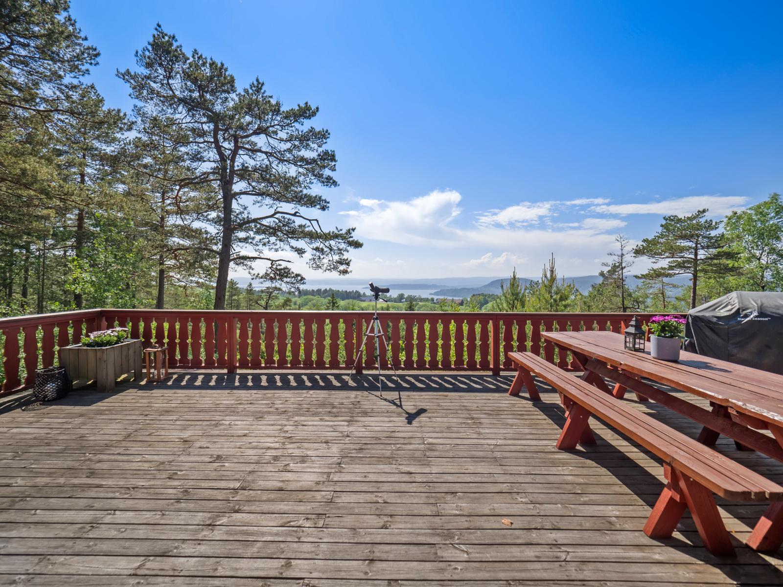 Terrasse og utsikt