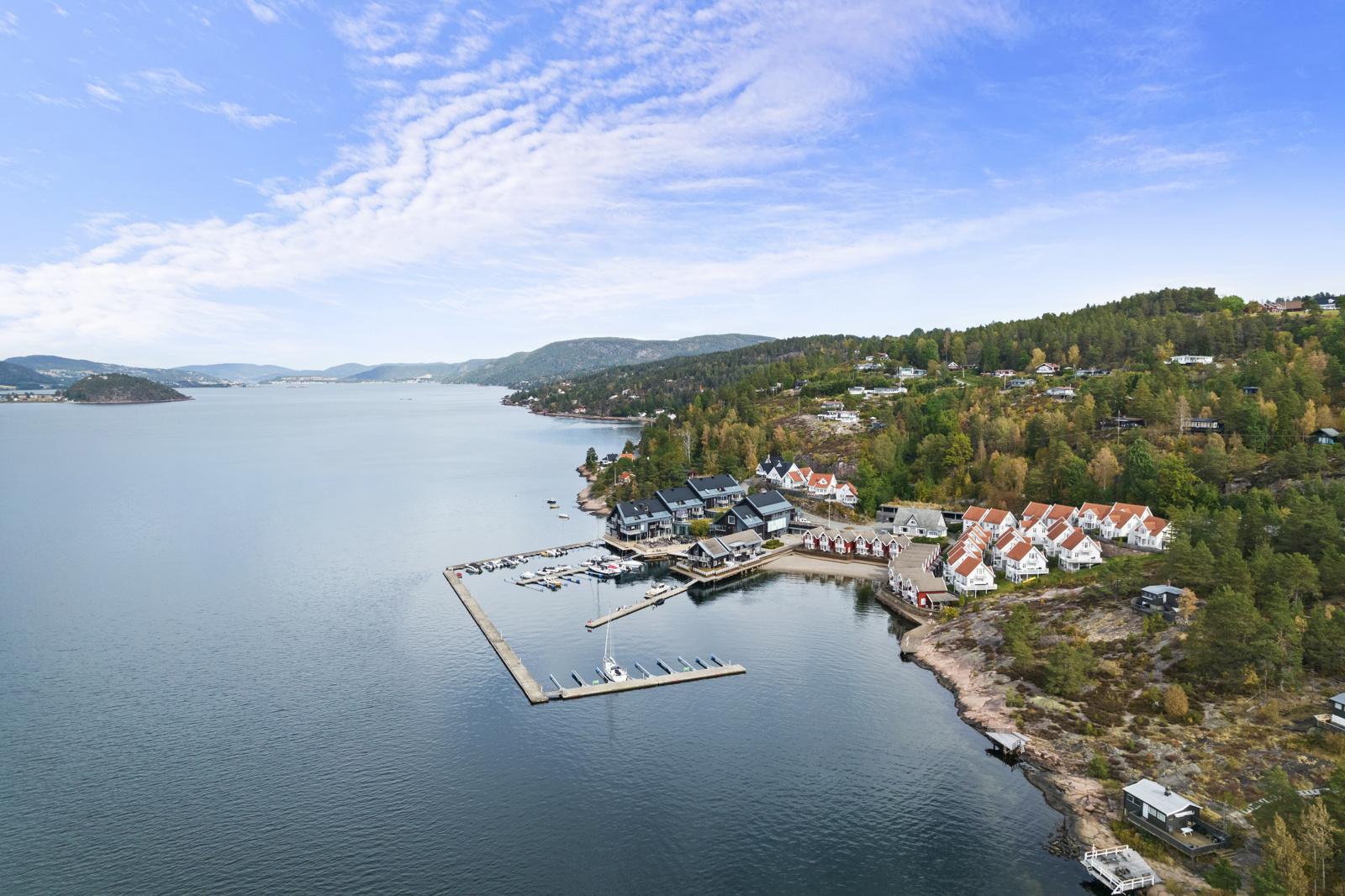 Leiligheten liggerflott til med Drammensfjorden som nærmeste nabo