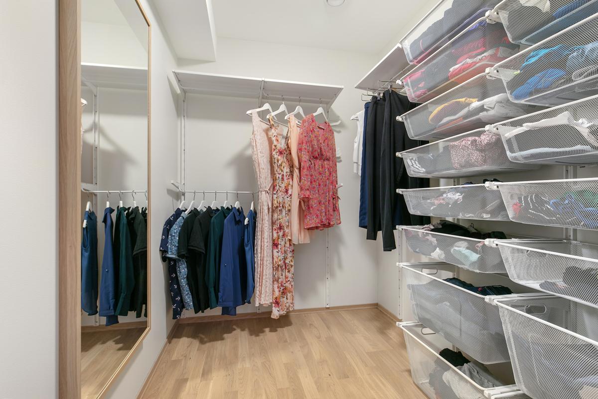 God plass til klær eller annen oppbevaring