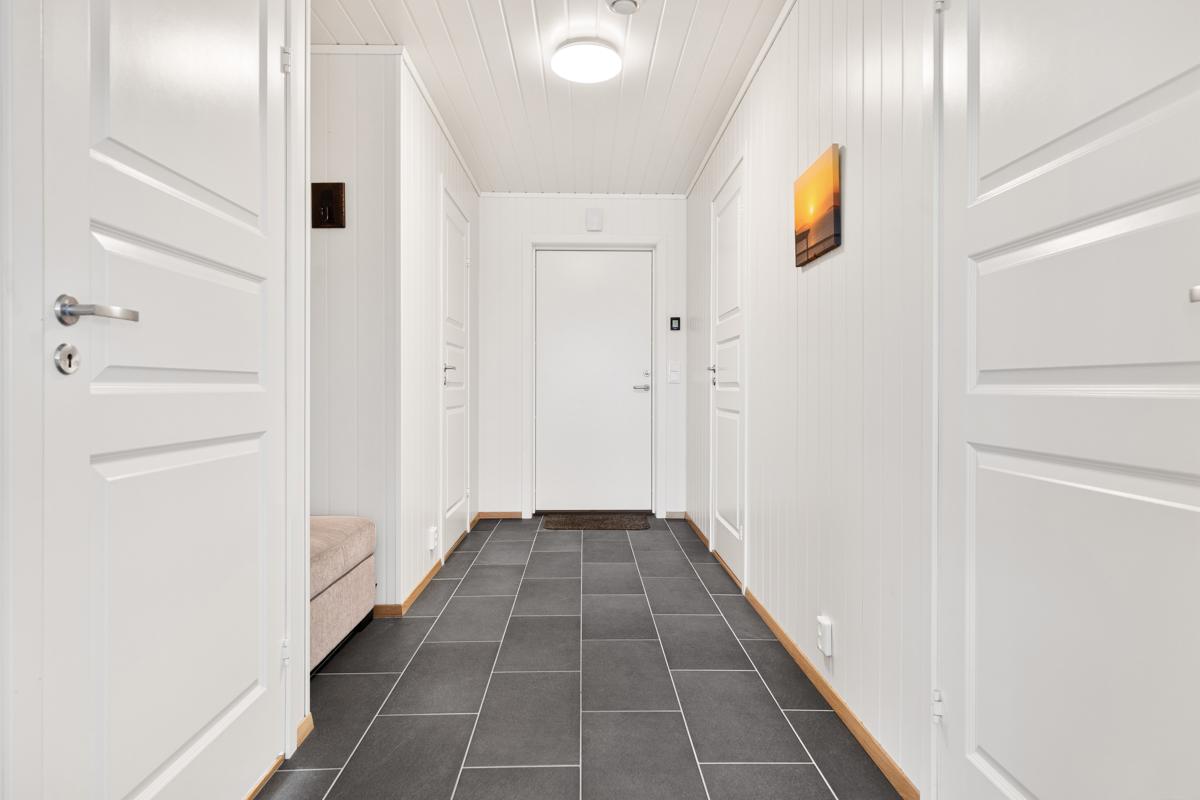 Flislagt gang/Hall med varmekabler i gulv