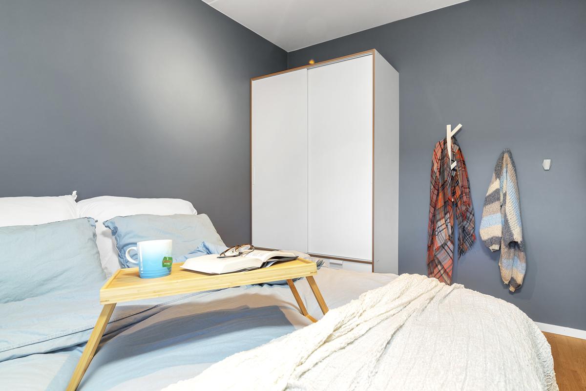 Det er plass til garderobe på begge soverommene