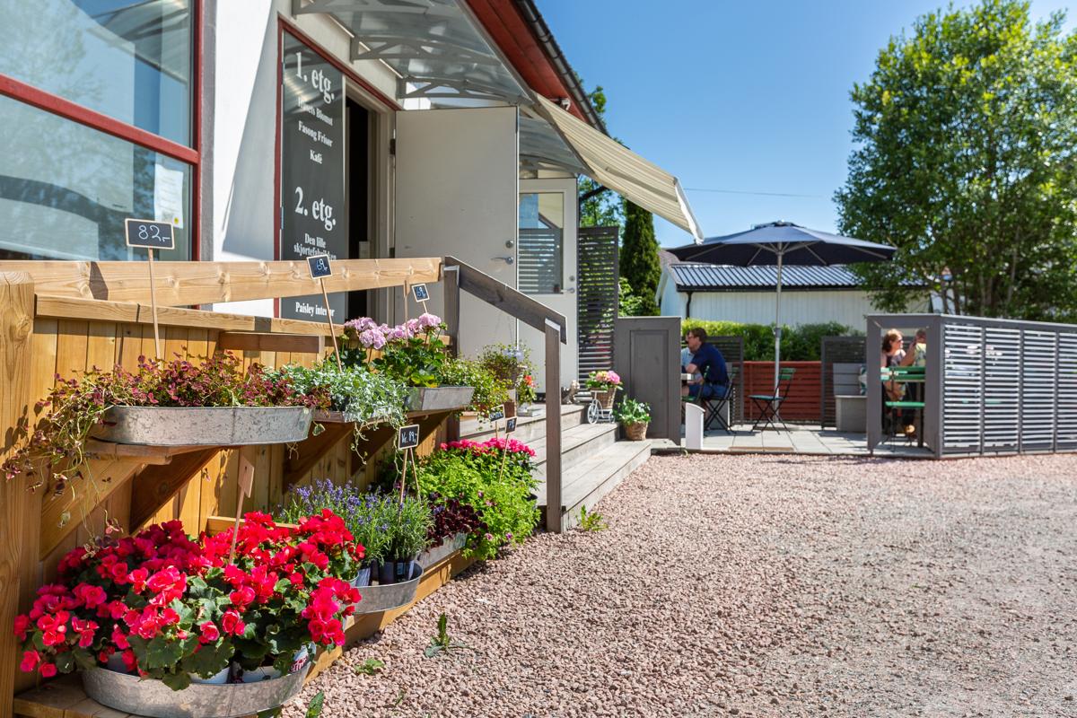 Kafe, blomsterbutikk, frisør mv, mindre enn 1 km unna