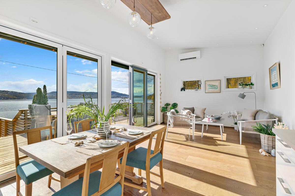 I stue/kjøkkendelen er det plass til spisebord og sofagruppe