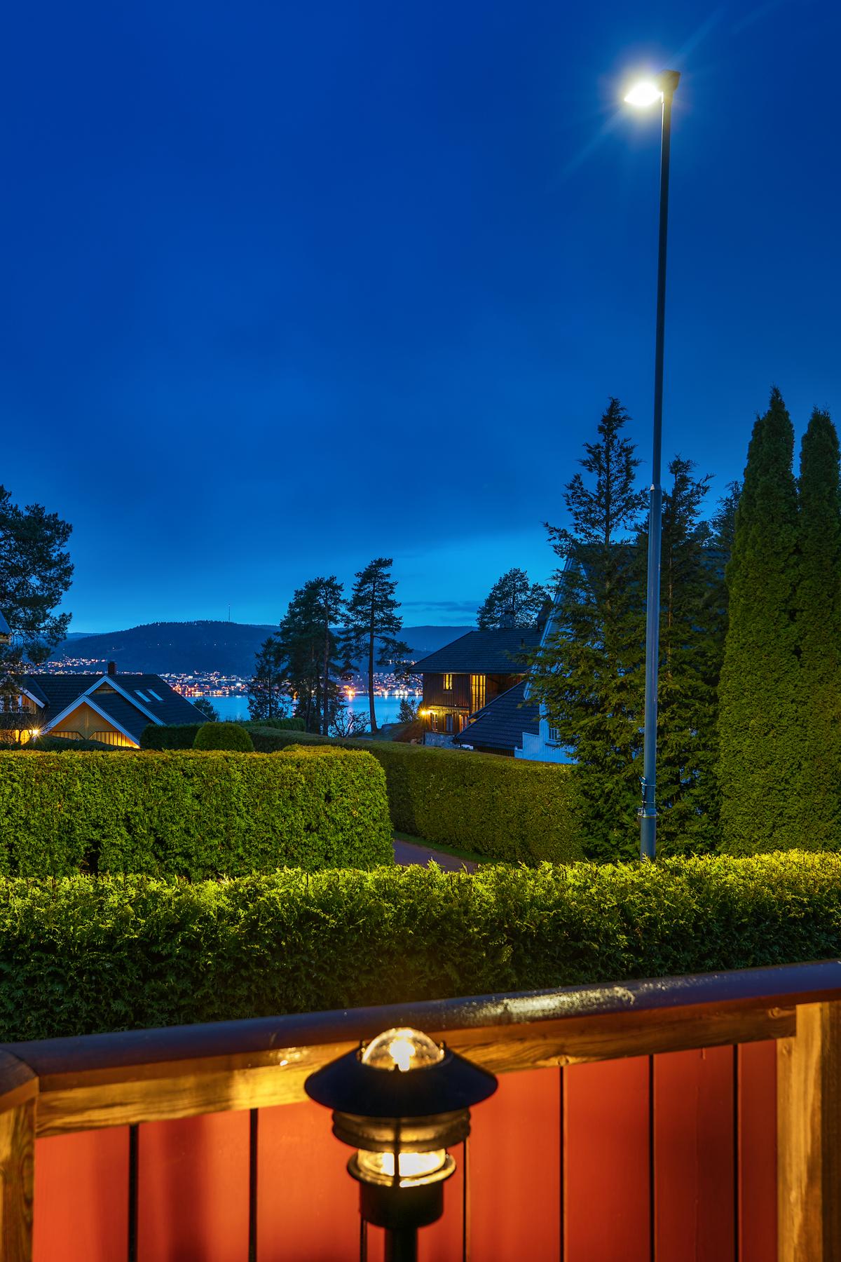 Kveldsstemning fra terrasse