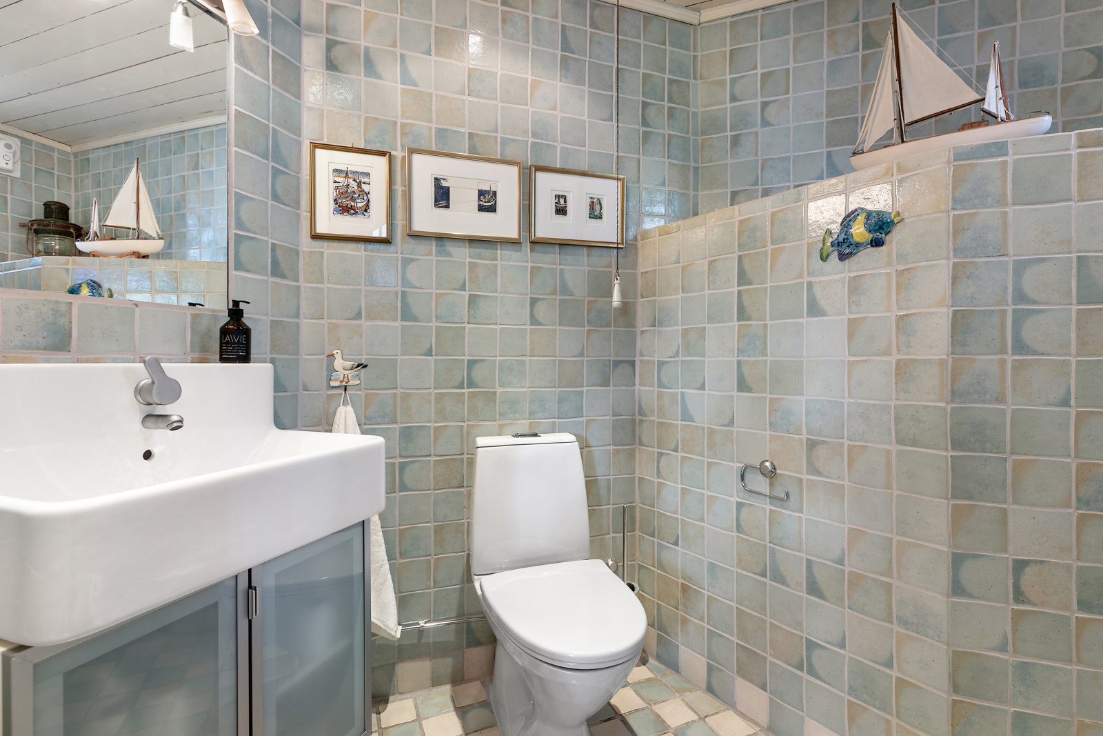 WC og bad i underetasje