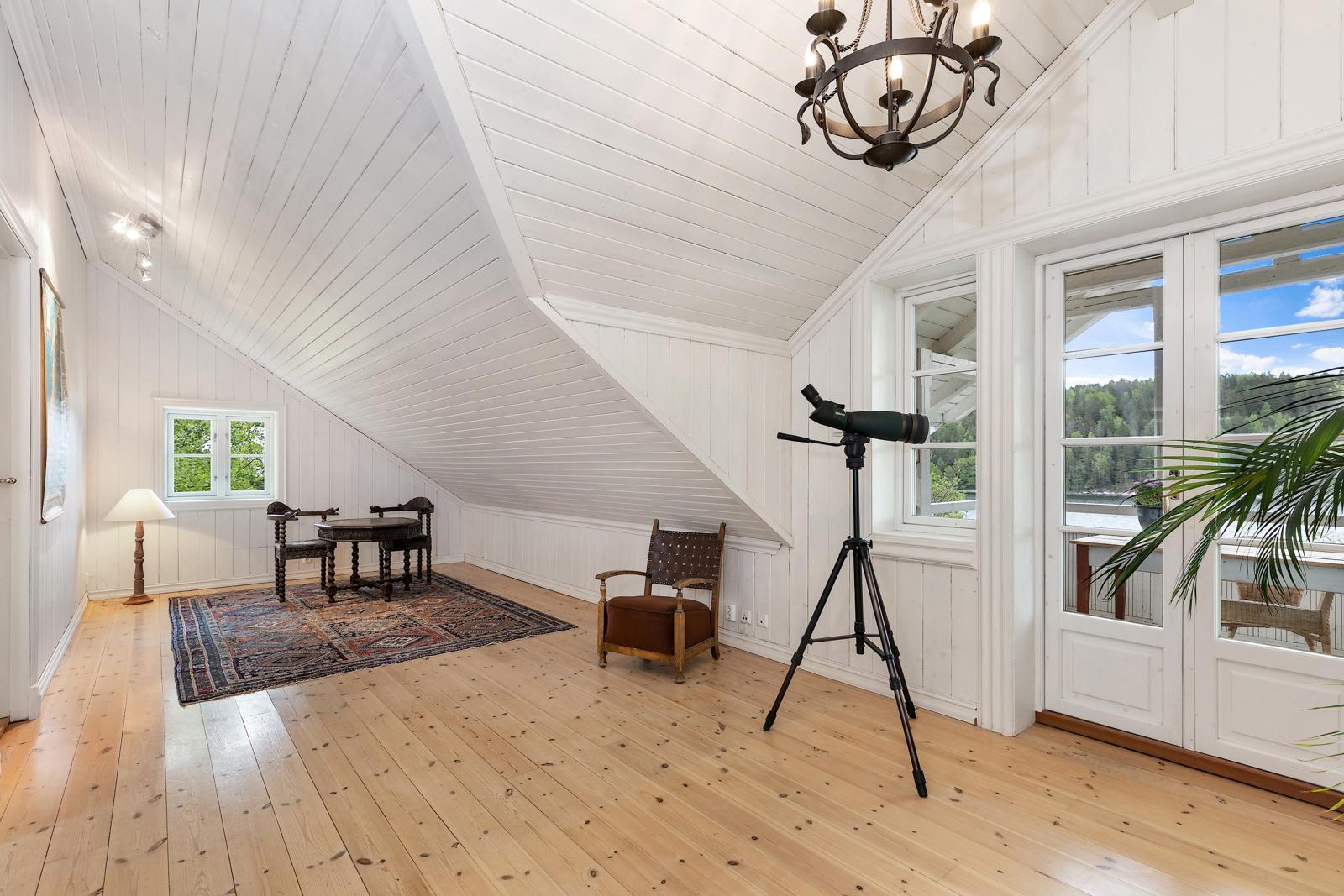 Stue, bilde tatt mot stedet der det er mulig å etablere ett ekstra soverom