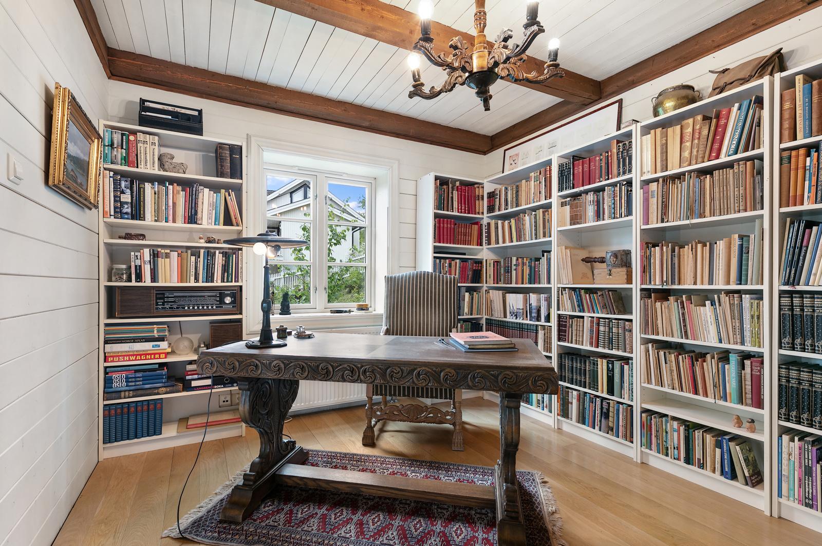 Bibliotek, kan gjøres om til soverom