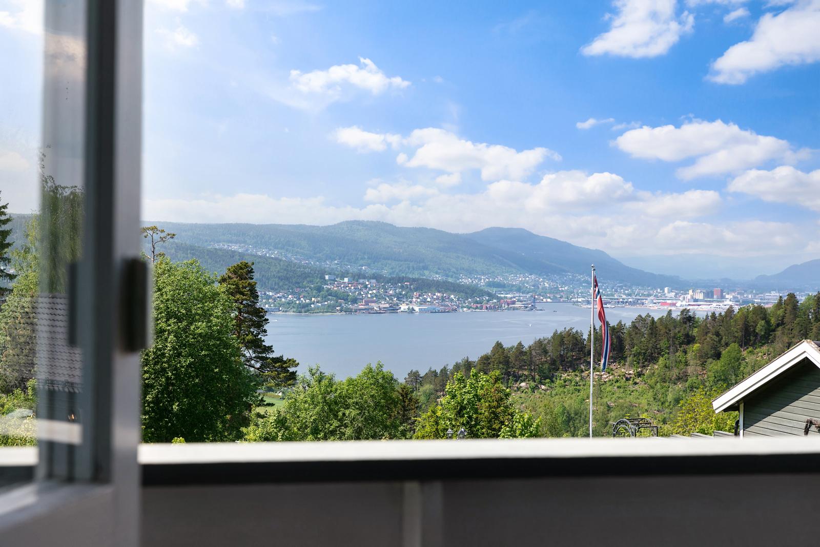 Nydelig utsikt fra balkongen