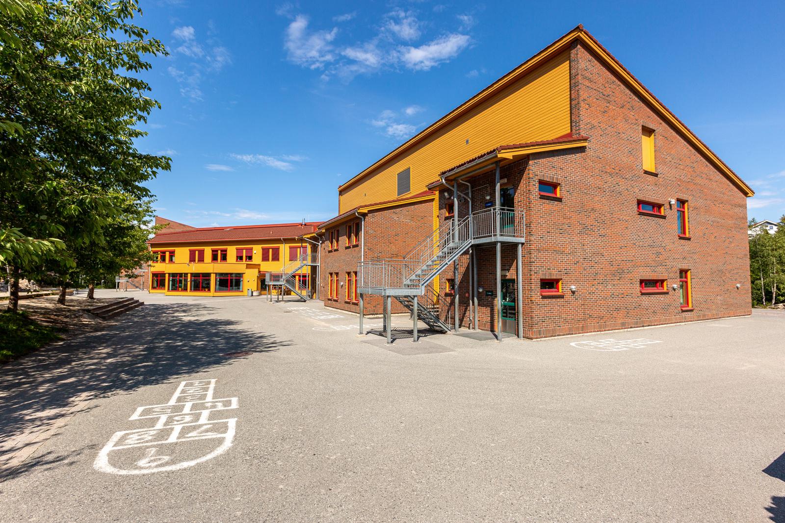 Barneskole og barnehage