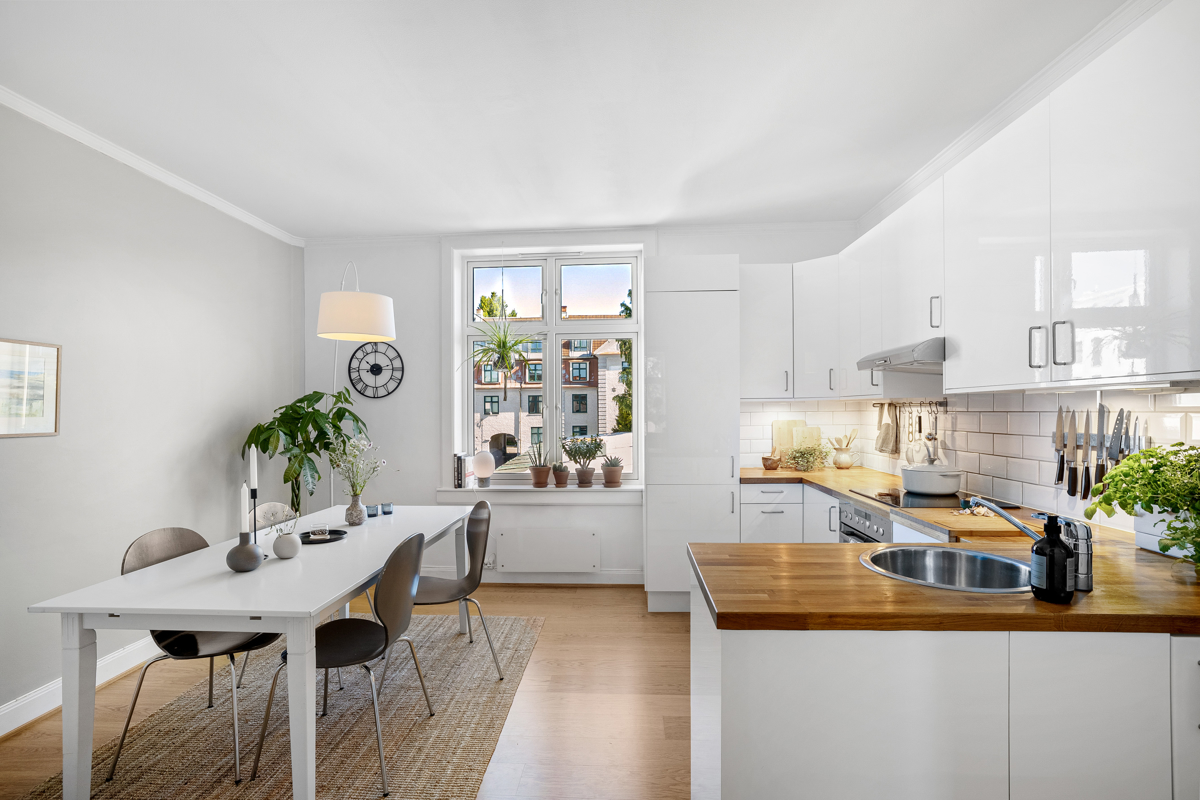 Velkommen til Presidentgata 2 og denne nydelige 3-roms leiligheten. Leiligheten er presentert av Lene Brekken i Schala & Partners eiendomsmegling.