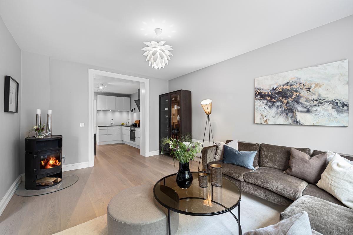 Velkommen til St.Hanshaugen og Colletts gate 12 B. Leiligheten er presentert av Lene Brekken i Schala & Partners eiendomsmegling.