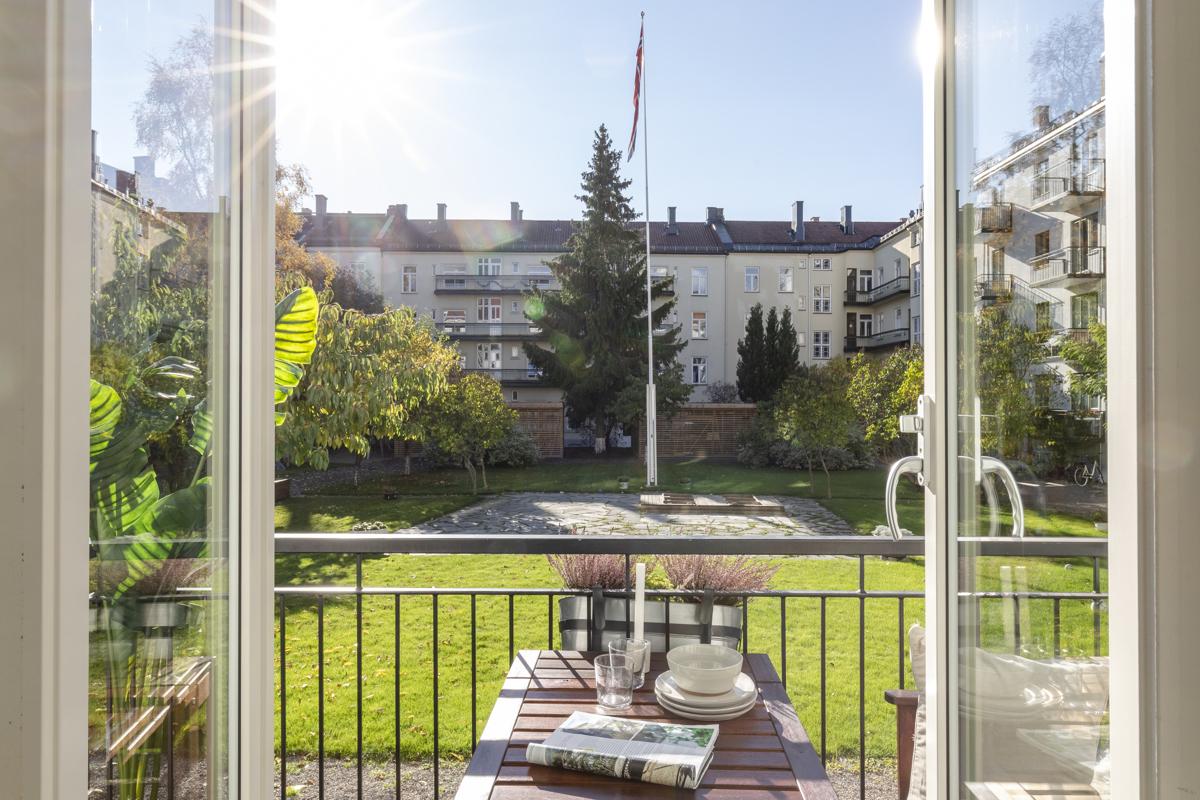 Kjerstin Falkum (922 04 707) og Anders Sveen (915 35 914) har gleden av å presentere denne flotte leiligheten i Grimstadgata 23F!