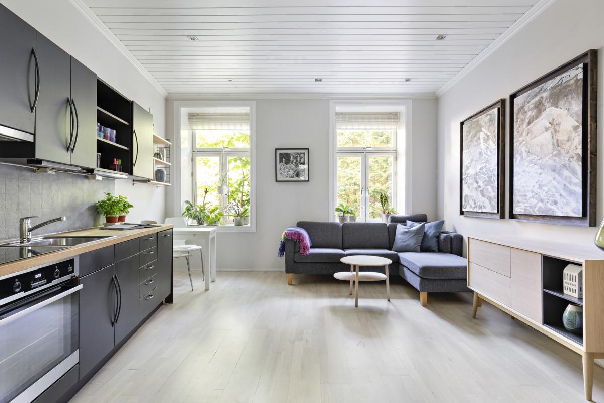 Kjerstin Falkum (tlf 922 04 707) hos Schala & Partners har gleden av å presentere denne herlige leiligheten på Oskar Braatens plass 2!