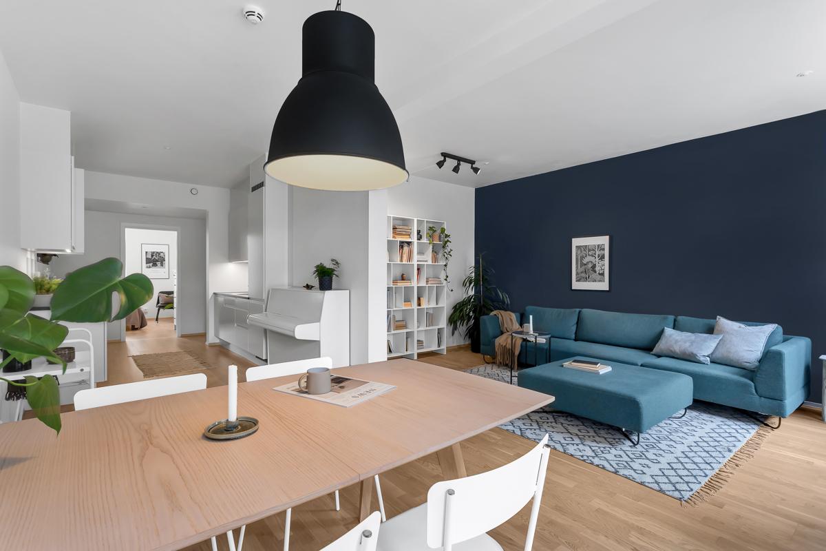 Torfinn Sørvang (977 59 812) ved Schala & Partners har gleden av å presentere denne flotte leiligheten i Lørenveien 55B!