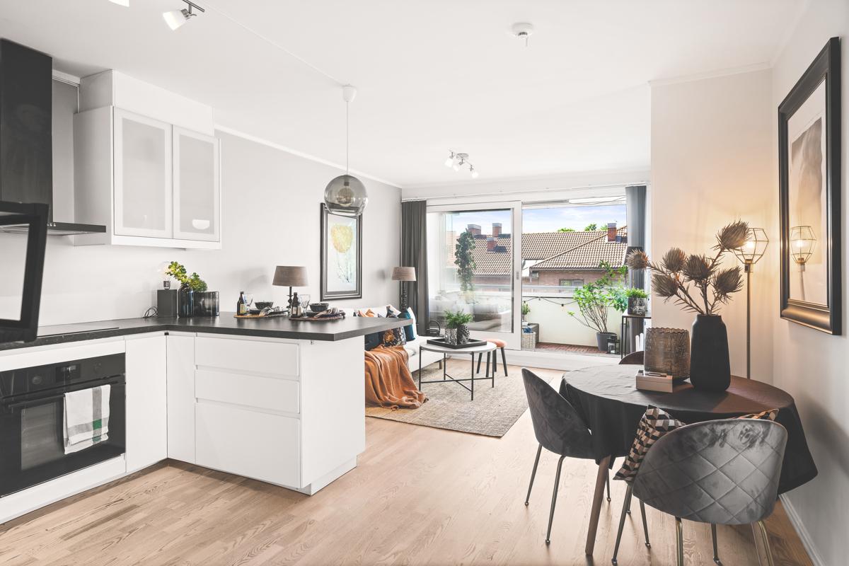 Velkommen til Askergata 1: Nydelig 3-roms endeleilighet med god standard og flere gode kvaliteter/fasiliteter