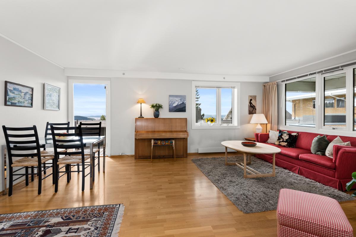 Steffen Usterud (tlf 924 99 143) ved Schala & Partners har gleden av å presentere denne leiligheten i Grefsenveien 78D!